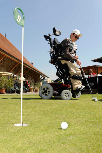 Just-for-Smiles-golf-disabled golfers
