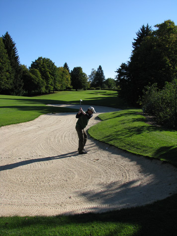 Bunker-shot-Lausanne-golf-club-switzerland