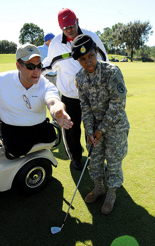 wounded-soldiers-playing-golf